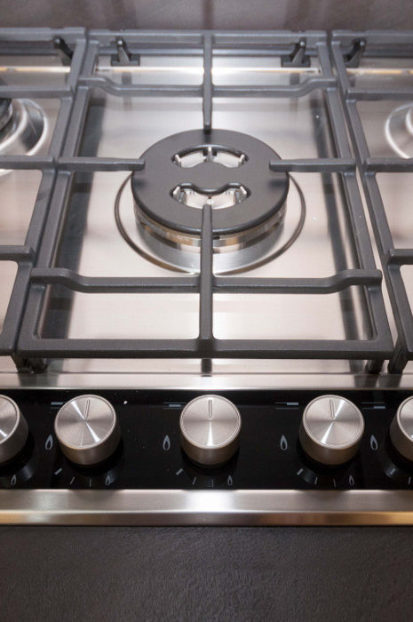 Vannozzi Interni kitchen detail cookers